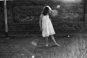 girl-1078220_1920